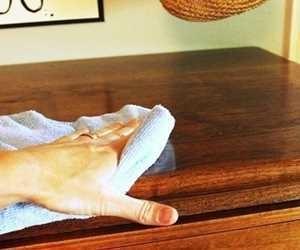 تمیز کردن وسایل چوبی
